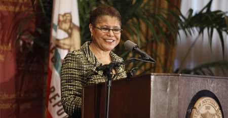 Karen Bass speaks at USC