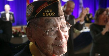 Asian military veteran at USC event honoring their service