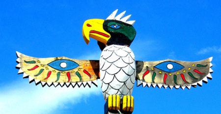 bird totem pole